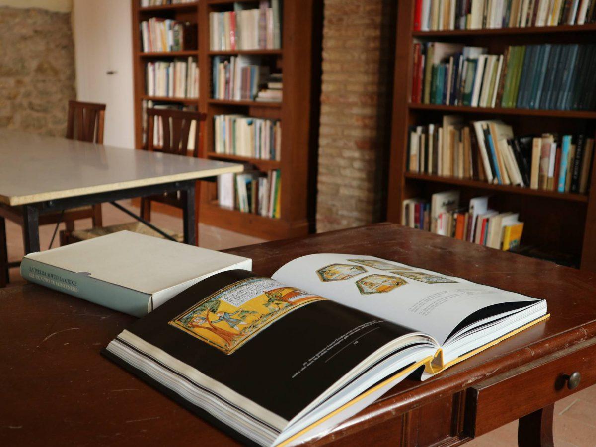 la biblioteca del Granaio della memoria